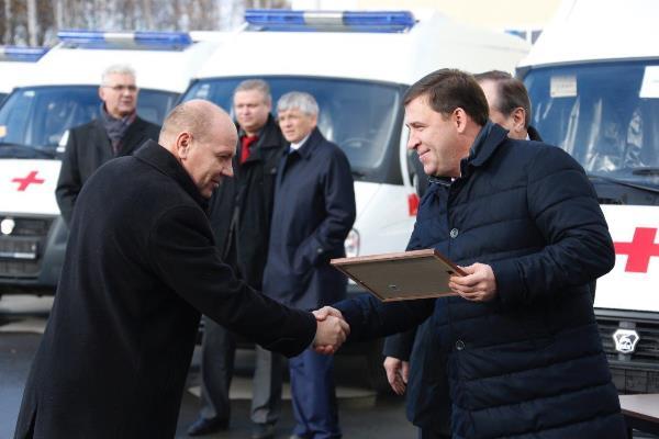Муниципалитеты Свердловской области получили 37 карет скорой помощи