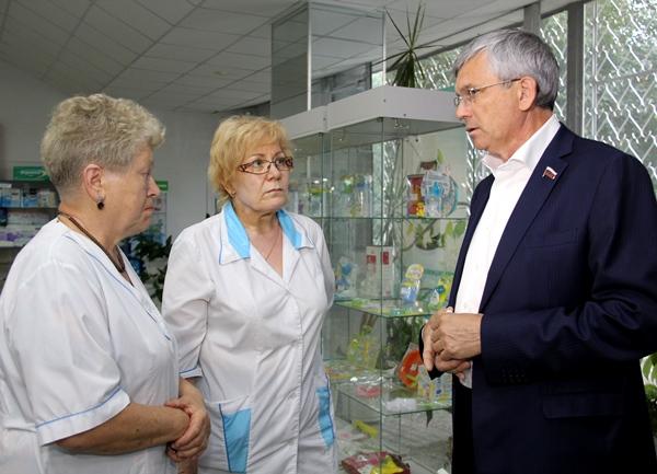 Александр Петров: Эффективность спиртосодержащих лекарств необходимо проверить