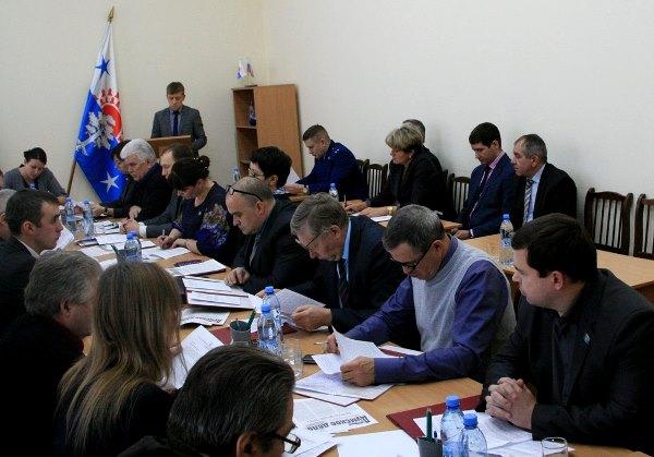 Серовские депутаты-единороссы поддержали переход на мажоритарную систему выборов