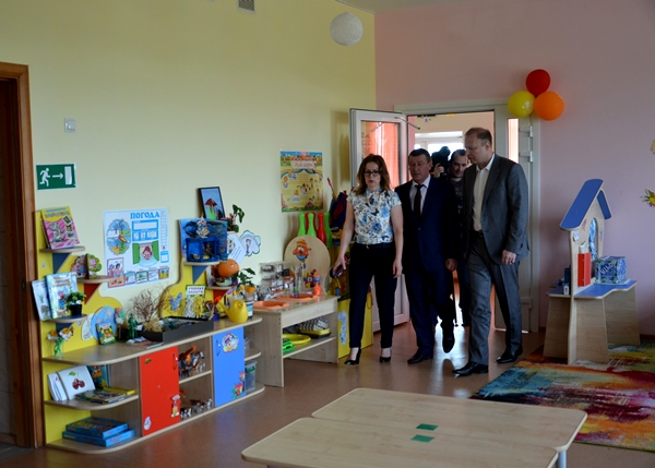 Виктор Шептий посетил в Тугулыме новый детский сад «Теремок»