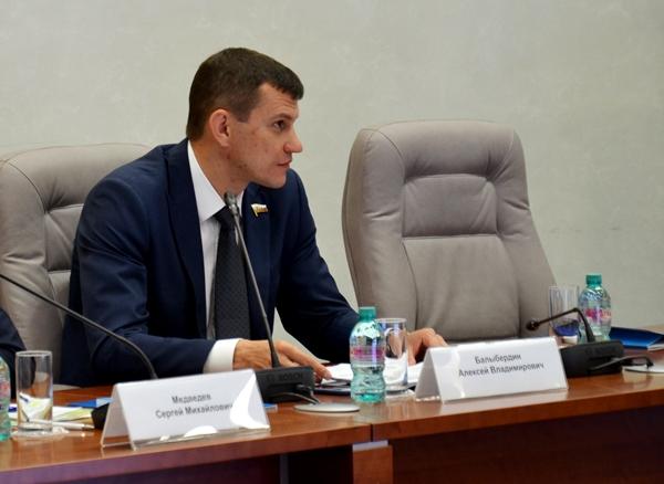 Алексей Балыбердин:Вопросы благоустройства городской среды необходимо решать совместно с жителями