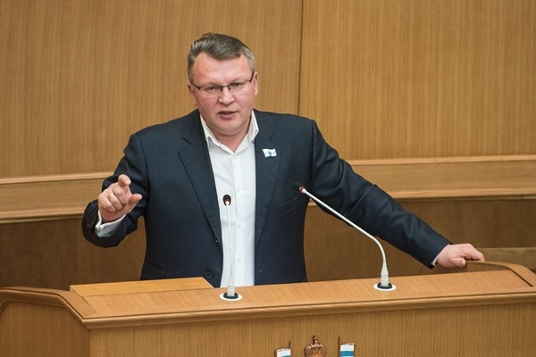 Сергей Никонов: Партийные фракции в местных думах обеспечат развитие свердловских муниципалитетов