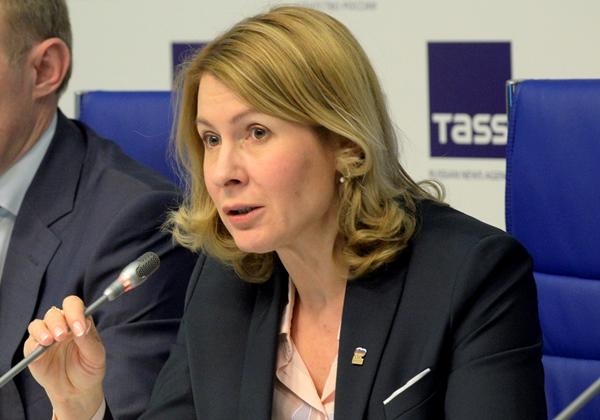 Елена Чечунова: Партийные фракции должны работать в контакте с жителями
