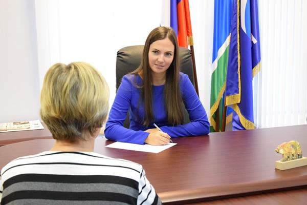 Жители Орджоникидзевского района получили консультации в общественной приёмной