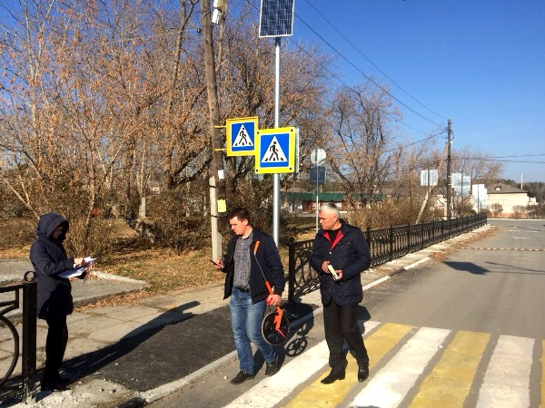 Партпроект высоко оценил подход Асбеста к обустройству пешеходных переходов возле школ