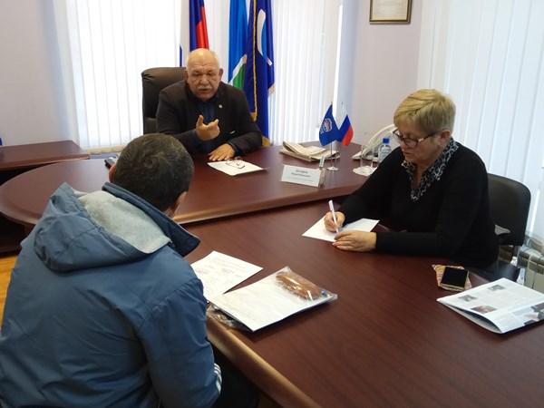 Юрий Дозорец провел личный прием граждан
