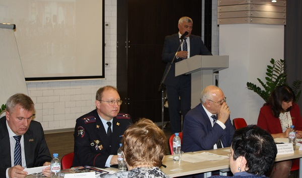 Руководитель партпроекта «Безопасные дороги» Виталий Крупин принял участие в Международной конференции автошкол