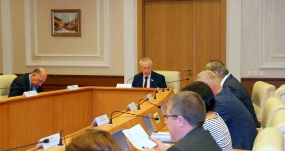 Комитет по социальной политике рассмотрит контрольные вопросы в формате выездных заседаний