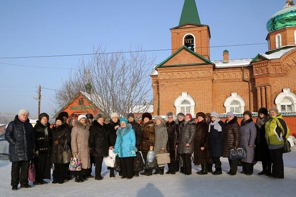 Для жителей Орджоникидзевского района Екатеринбурга партиец организовал экскурсию в одно из самых знаменитых мест области