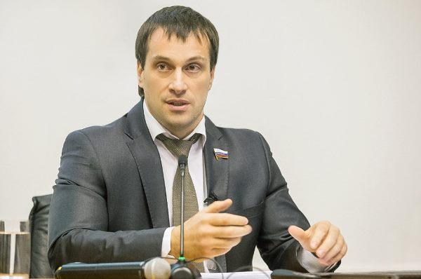 Эдуард Исаков: Поддержка волонтеров крайне важна для развития здорового общества