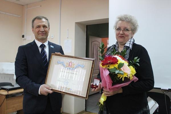 Игорь Володин вручил награды областного парламента