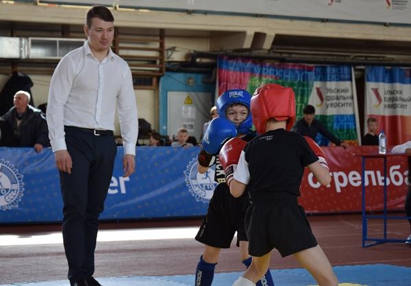 Кикбоксеры Свердловской области сошлись на ринге