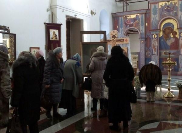 Депутаты помогли организовать пенсионерам Верх-Исетского района паломническую поездку
