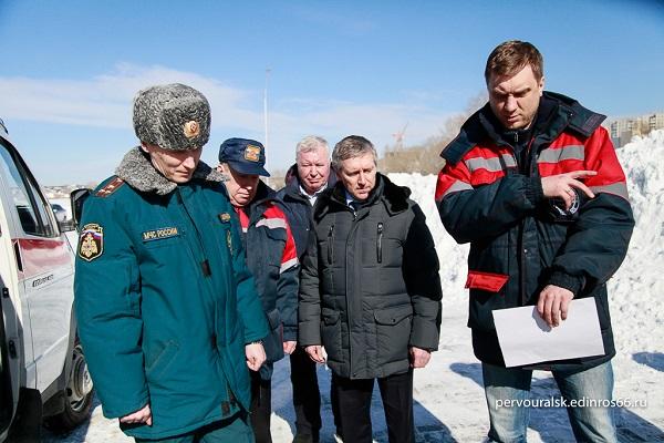 Депутаты Первоуральска проконтролировали работу пожарных спасательных служб