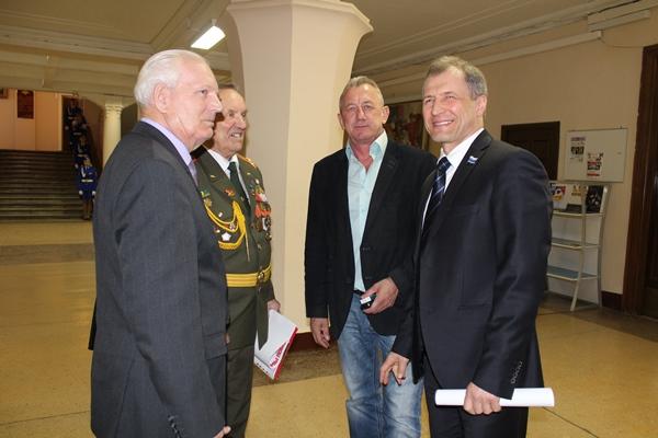 Игорь Володин поздравил членов Екатеринбургского совета ветеранов