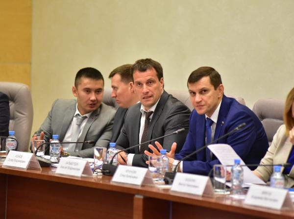 Заместитель руководителя Уральского МКС Эдуард Исаков: «Единая Россия» создала для молодежи мощные социальные лифты
