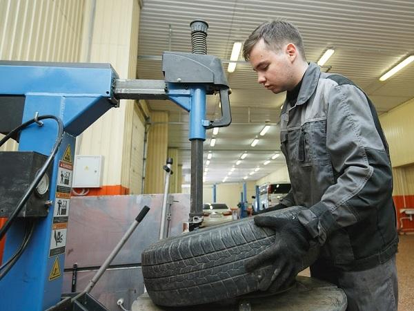 На Среднем Урале состоялся первый выпуск рабочих новой формации