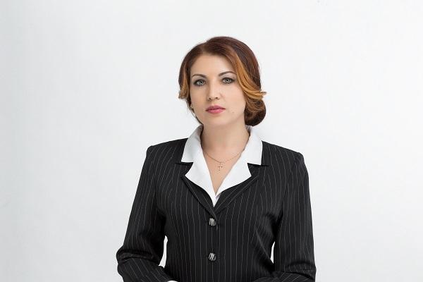 В Первоуральске депутат Наталья Воробьева пригласила горожан посмотреть «Жили-были»
