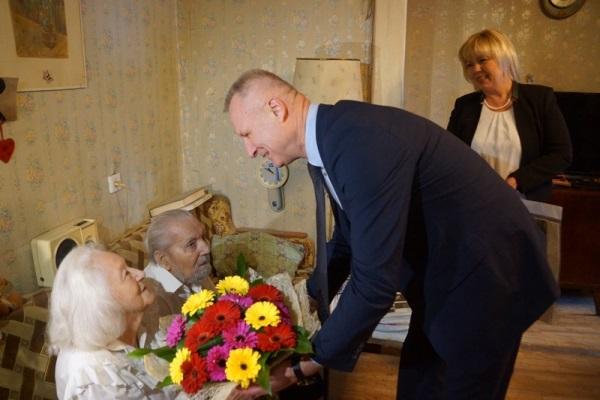 В Свердловской области в шестой раз отметят День пенсионера