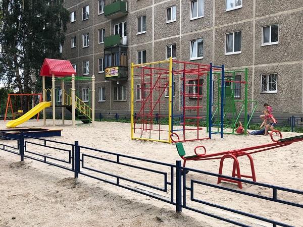 Мониторинг-группа проекта «Городская среда» проверила дворы, в которых закончены работы по благоустройству (ФОТО, КАРТА)