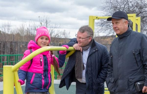 В Верхней Туре депутаты Законодательного собрания приняли участие в торжественном открытии нового парка (ФОТО)