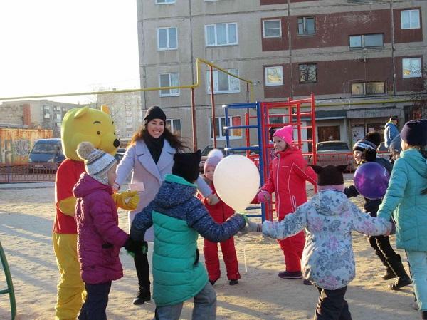 В Каменске-Уральском появился новый детский городок со спортивной и игровой площадками