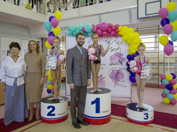 Депутат Алексей Вихарев открыл первенство по художественной гимнастике
