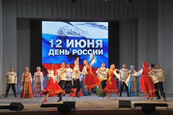 Людмила Бабушкина поздравит Уральский русский народный хор с 75-летием