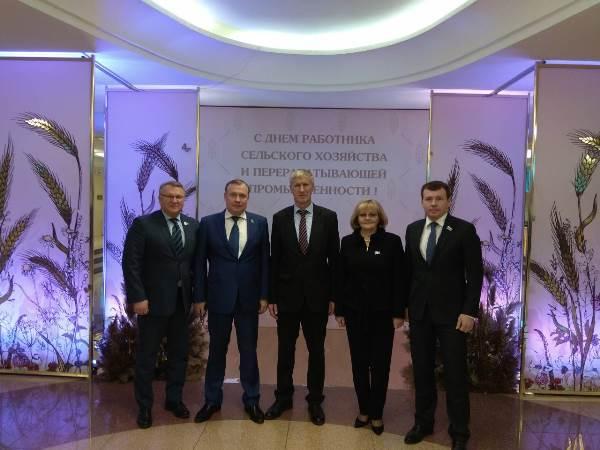 Депутаты Законодательного Собрания поздравили работников АПК с профессиональным праздником