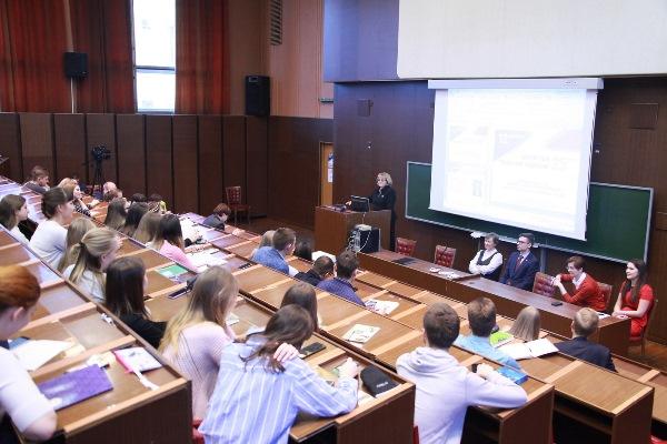 Людмила Бабушкина прочла публичную лекцию к 25-летию Конституции РФ
