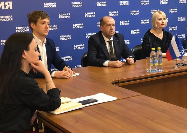 Партийцы проконтролируют заключение контрактов в рамках партпроекта «городская среда»