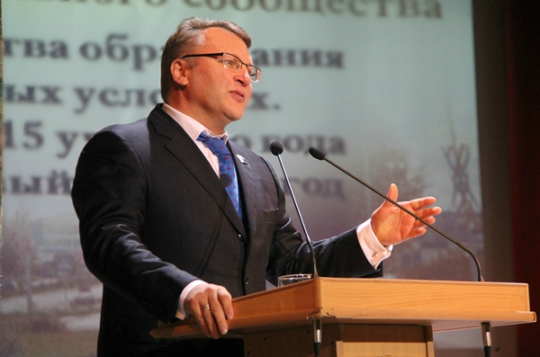 Сергей Никонов: Местные отделения делятся опытом успешной партийной работы