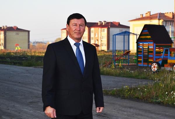 Партийцы поздравили Сергея Селиванова, Секретаря одного из самых активных местных отделений Партии - Тугулымского, с днем рождения