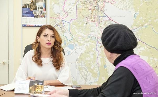 Наталья Воробьева: Первоуральск - в числе лидеров по реализации программы «Старшее поколение»