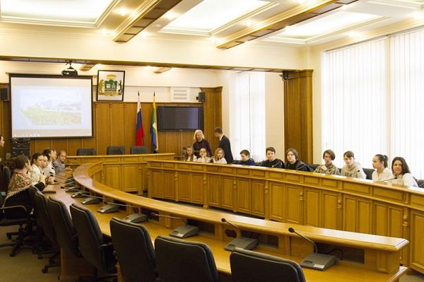 В Екатеринбургской городской Думе состоялась экскурсия для учащихся школы № 62