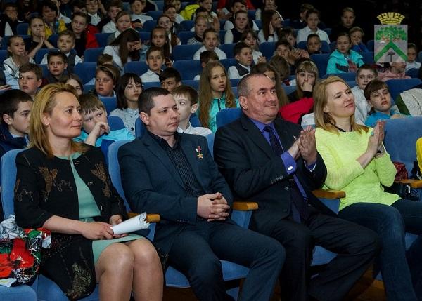 Партийцы помогли организовать встречу школьников с Героями России в Верхней Салде