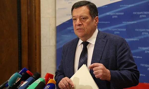 Госдума приняла во втором чтении поправки «Единой России», разрешающие продажу театральных билетов без кассовых аппаратов