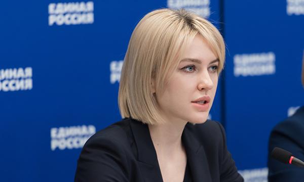 Аршинова направила в Правительство РФ пакет предложений для включения в программу «Земский учитель»