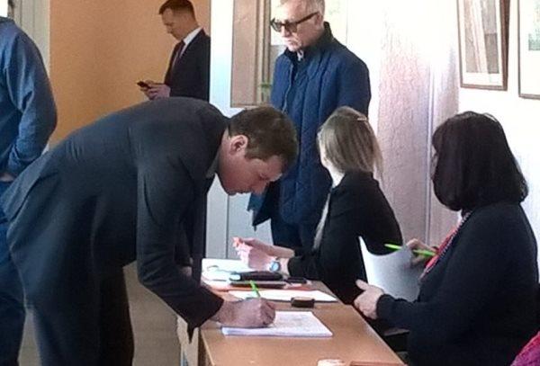 Дмитрий Жуков проголосовал в Серове