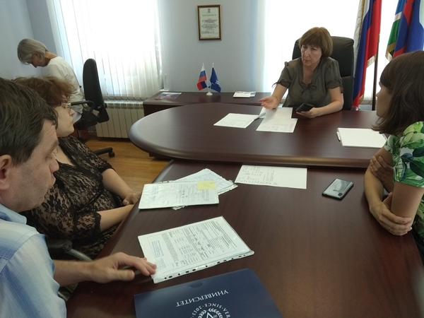 Консультации сотрудников Министерства здравоохранения области прошли в приемной партии «Единая Россия»