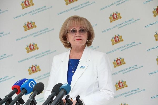 Людмила Бабушкина: «Осуществляемая контрольная деятельность позволяет депутатам четко представлять ход реализации национальных проектов»