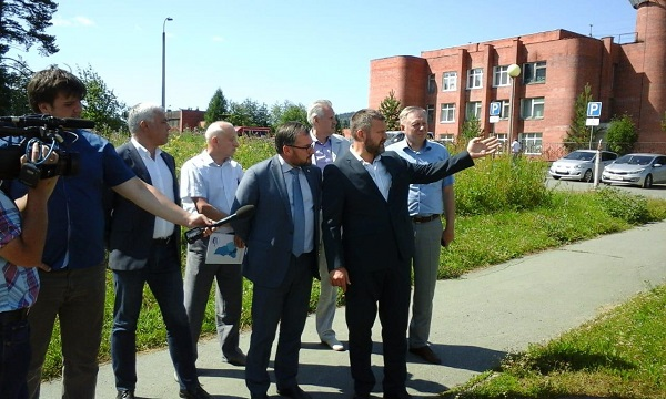 Партактив «Безопасных дорог» оценил обустройство пешеходных переходов в Новоуральске