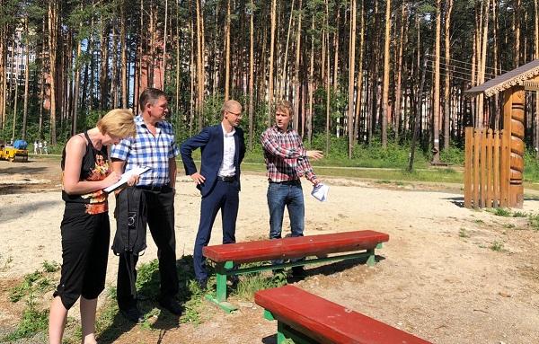 Партийцы ознакомились с ходом благоустройства «Тропы здоровья» в Березовском (ФОТО)