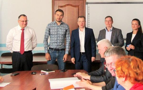 В Качканаре партийцы провели встречу с Антоном Шипулиным