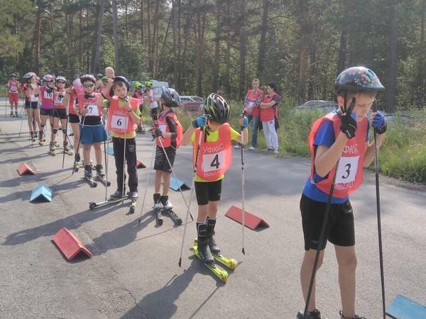 При поддержке Асбестовского МОП и «Молодой Гвардии» прошли соревнования по лыжероллерам (ВИДЕО)