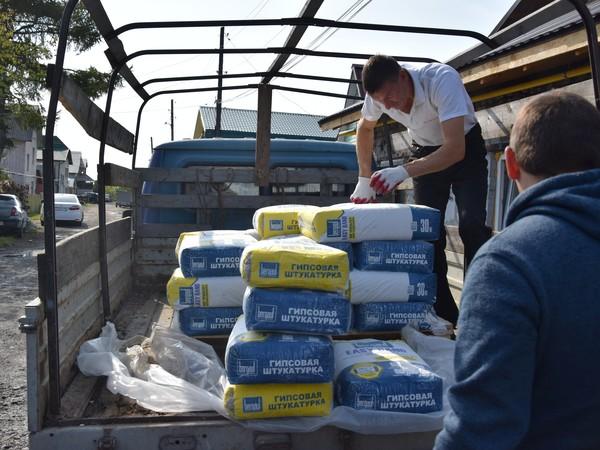 Единороссы помогли семье из Каменска-Уральского восстановить дом после пожара
