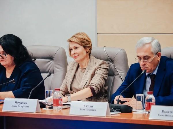 Чечунова: «В современных политических условиях открытие филиала Высшей партийной школы в УрФО - важное решение»