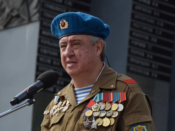 Избирком передал мандат новому депутату свердловского Заксобрания