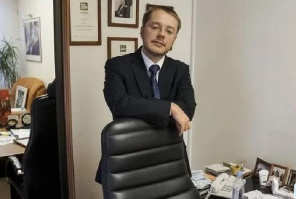 Депутат Госдумы от Каменска-Уральского стал одним из авторов закона о запрете продажи никотиновых смесей