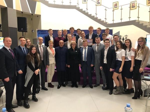 Депутат Дмитрий Жуков принял участие в открытых дебатах молодежи